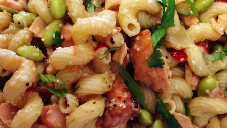 sesame-ginger-salmon-pasta-salad-750x250